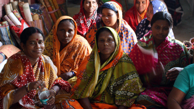 Singing_women_west_bengal_2.